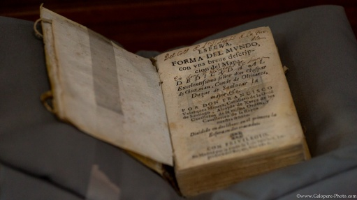 In Palafoxina Library, in Puebla, Mexico, it is posible to find more than 500 years old books !