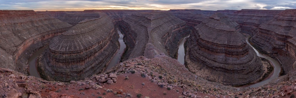 Here we could see the geologic jewel shaped by the San Juan River, near Mexican Hat (UT).