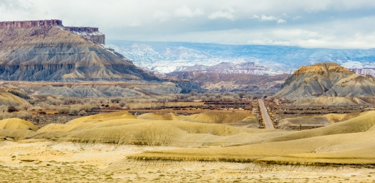 The wonderful colors of the San Rafael Swell make us forget it could be one of the most ruggedly terrain in the world.