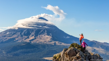 On the Iztaccíhuatl flanks, we can admire the activ volcano of Popocatépetl, one of the most activ volcano on the world !