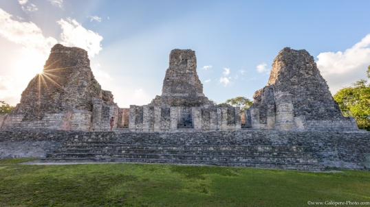 Xpuhil is a great city, located in Campeche. We were alone a new time, on a secret city that was important on Mayan world, between 600 and 900 A.D.
