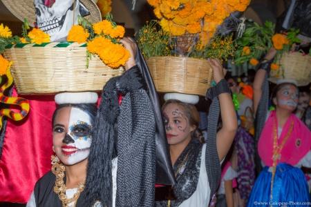 Día de los muertos parade